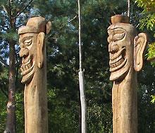 Totempfähle im Marzahner Erholungspark