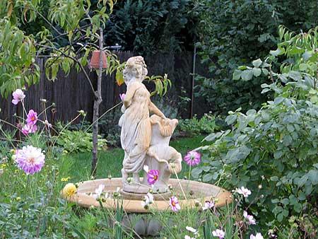 die Nymphe - Gartenskulptur