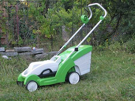 Häufig Von der langen Suche nach einem neuen E-Rasenmäher › Das wilde RM48