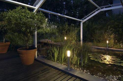 es werde licht beleuchtung im garten mit bedacht w hlen. Black Bedroom Furniture Sets. Home Design Ideas