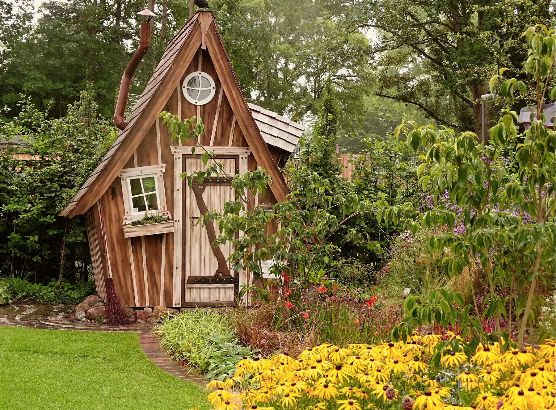 Uriges Gartenhaus